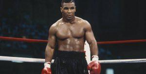 Así se mueve Mike Tyson a los 52 años