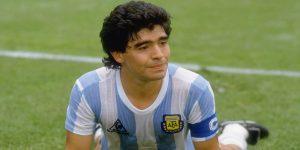 """""""Cuando vos entrás a la cancha, se va la vida"""": Salió un nuevo teaser del documental de Maradona"""